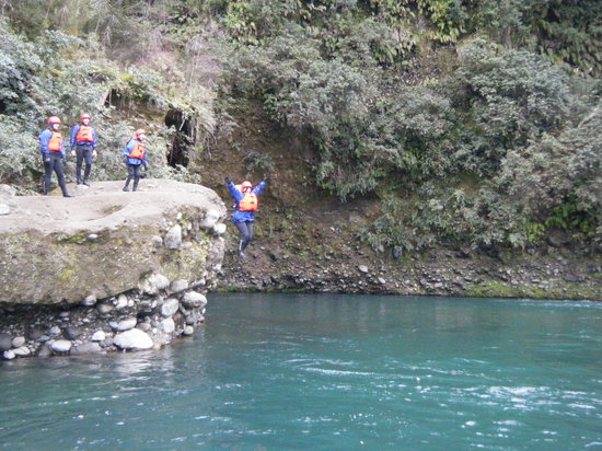 Tongariro River Rafting : Brace yourself - it was freezing!!