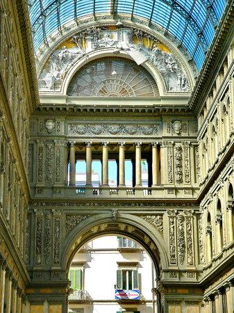 Galleria Umberto I : Napoli,august 2011
