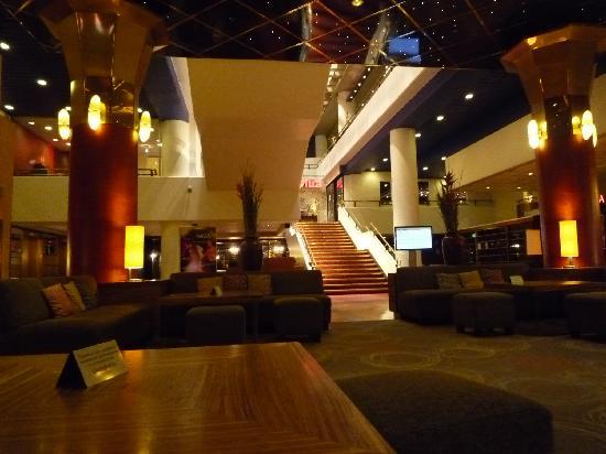 Original Sokos Hotel Presidentti: ロビー