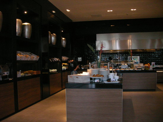 Van der Valk Airporthotel Duesseldorf: breakfast