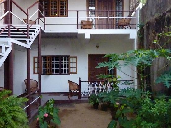 Walton's Home Stay: les chambres sur jardin