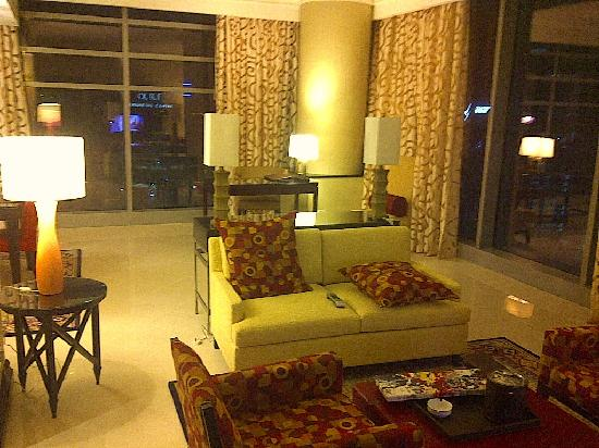 Marriott Marquis City Center Doha Hotel: apartment living area, great!