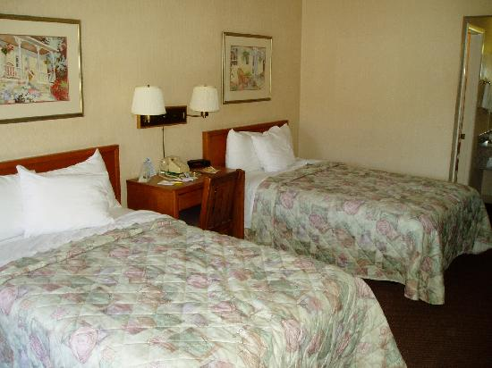 Days Inn Lexington: room