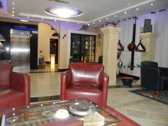 BEST WESTERN Hotel Colombe: Voici le coin salon que j'aimais le +