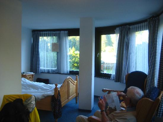 QH Hotel : One of the bedrooms