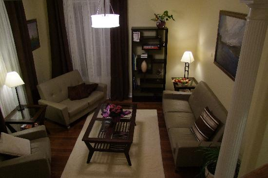 In Elegance Bed and Breakfast: Siting area