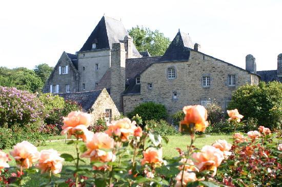 Manoir du Stang: vu de la roseraie