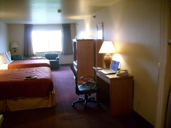 BEST WESTERN Blackfoot Inn: King/Queen Bedded Room on 2nd Floor