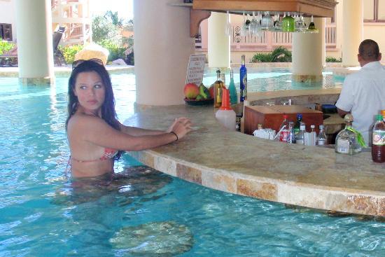Swim Up Bar Picture Of Coco Beach Resort San Pedro Tripadvisor