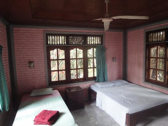 Sania's House Bungalows: chambre