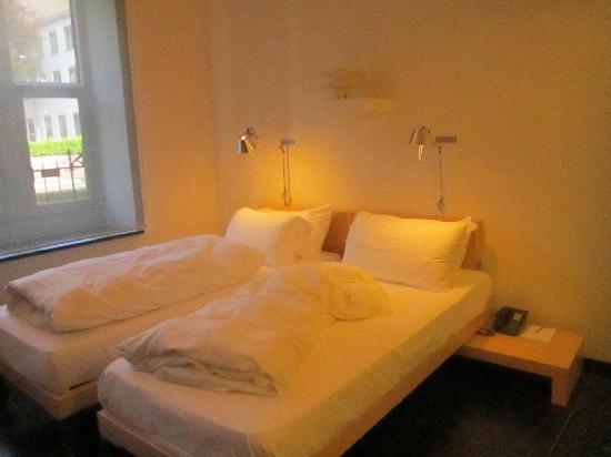 Kruisherenhotel Maastricht : Twin beds
