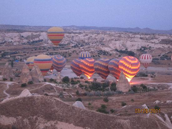 Gamirasu Cave Hotel: hot air ballooning