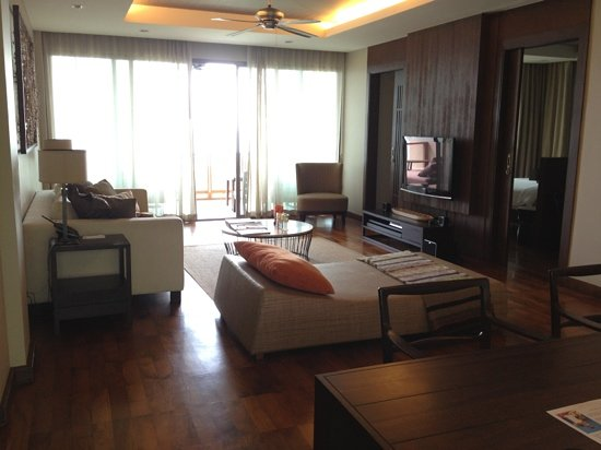 ShaSa Resort & Residences, Koh Samui: living room for seaview deluxe