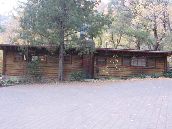 Orchard Canyon on Oak Creek: back of cabin 11