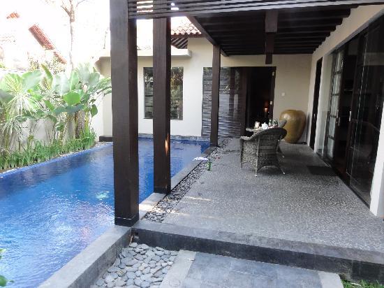 โรงแรมวิลล่า เดอ ดอน: your own pool