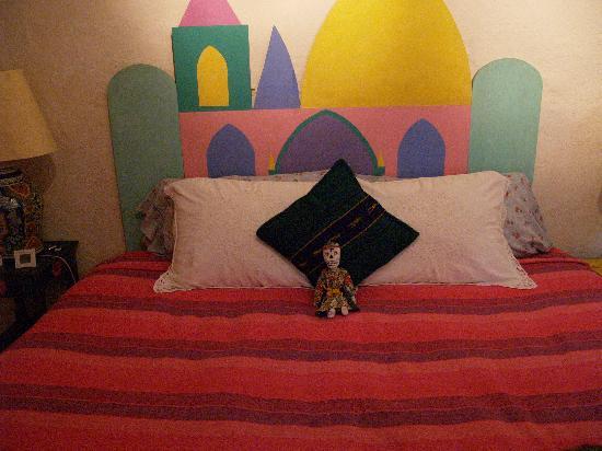 La Casa De Los Espiritus Alegres: Bed with Catrina