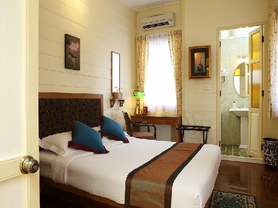 Baan Dinso Hostel: Deluxe Room