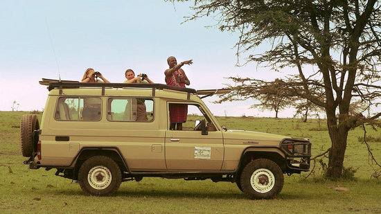 Mara Eden Safari Camp: guests on game drive