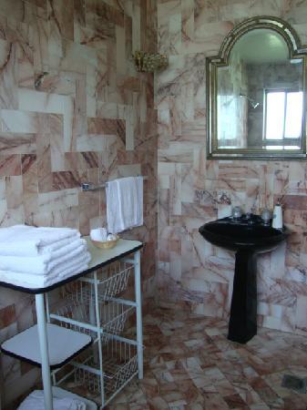 Hospedaje Quinta La Monina: El baño