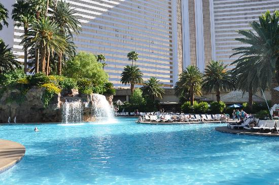 The swimming pool picture of the mirage hotel casino las vegas tripadvisor for Indoor swimming pools in las vegas