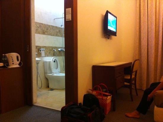D Eastern Hotel: Toshiba LCD tv with star movie, ESPN and local tv.
