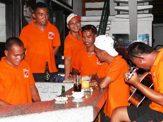 Dolphin-House Resort-SPA-Diving: Moalboal White Beach Dive Crew