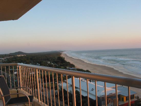 Coolum Caprice Luxury Holiday Apartments: Coolum Beach at 5.30am