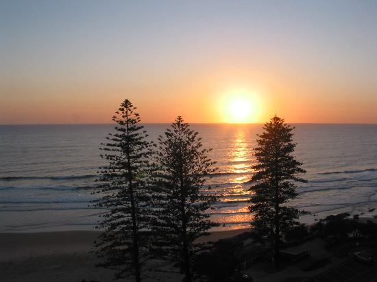 Coolum Caprice Luxury Holiday Apartments: Sunrise over Coolum Beach