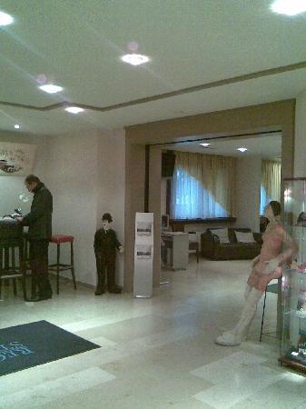 Rega Hotel Stuttgart: Lobby