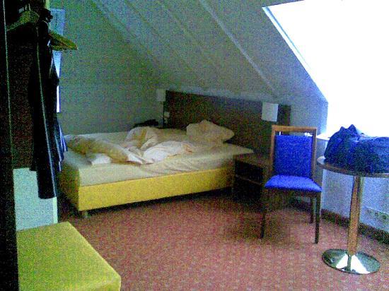 Rega Hotel Stuttgart: Zimmer
