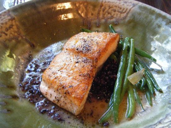 Dancing Bear Appalachian Bistro : Salmon