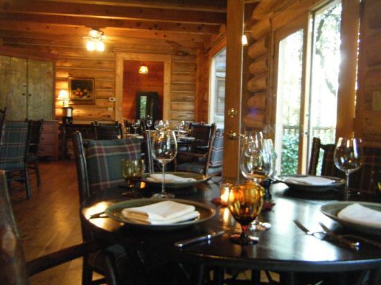 Dancing Bear Appalachian Bistro : Dining room