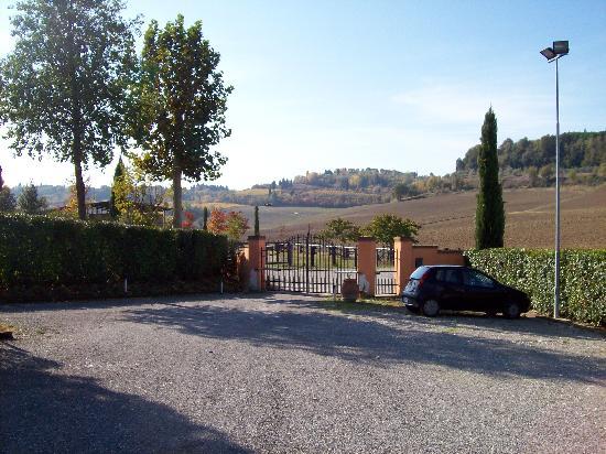 Azienda Agricola ed Agrituristica Cafaggio: Agrituristica Cafaggio's Entrance
