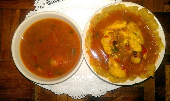 Aguada, Puerto Rico: This is the seafood mofongo with more sauce and seedfood in the extra bowl
