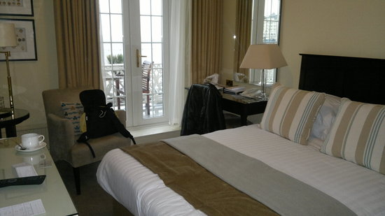 St. George's Hotel: room