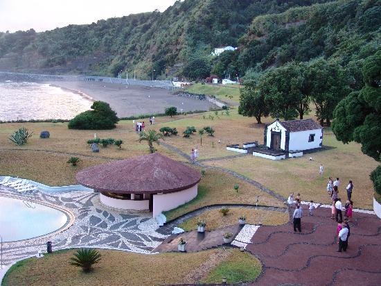Pestana Bahia Praia: Hotelpark und Strand mit Bar