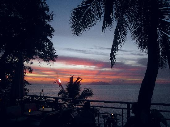 Hilton Seychelles Northolme Resort & Spa: Abendstimmung vorm Restaurant