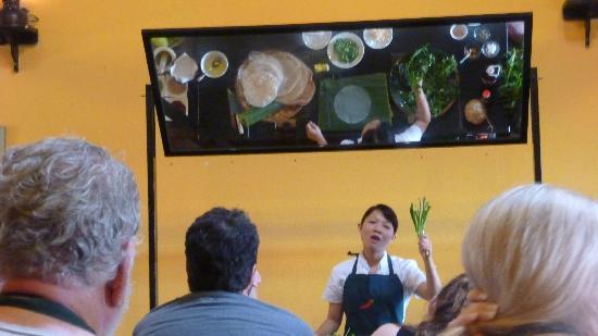 Vy's Market Restaurant & Cooking School: our teacher