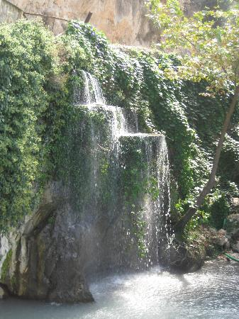 Meis Hotel: water fall