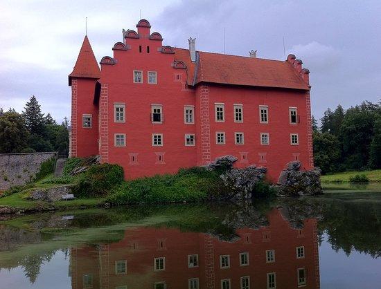 Zamek Cervena Lhota
