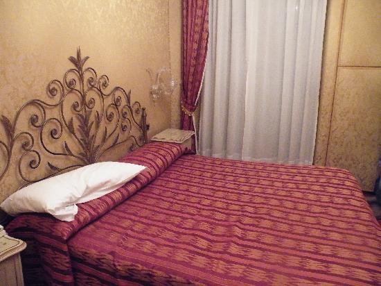 Hotel Castello: Habitación