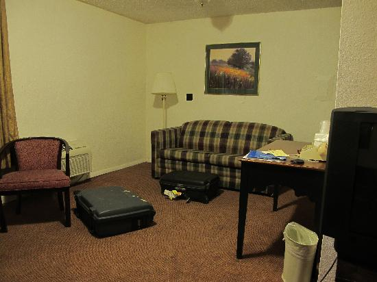 Little Suites Provo: the room