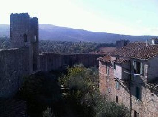 Easitalytours: Monteriggionni