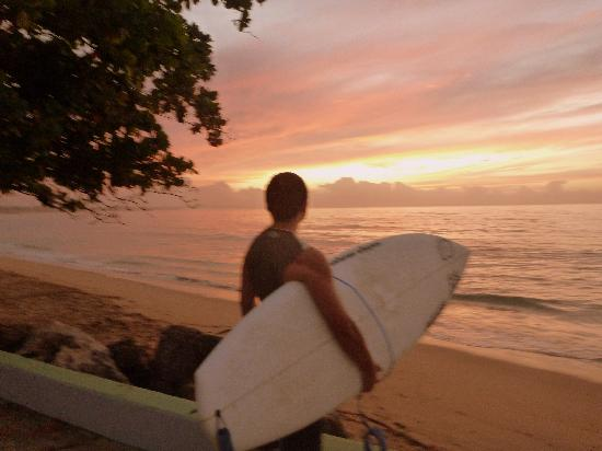 Surf 2 Live Surf Retreat : After an afternoon surfing session, you will get the chance to watch the beautiful sunsets down