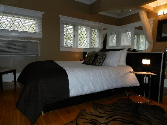 Jelly Bean Suite - Picture of Leaside Suites and Executive ...