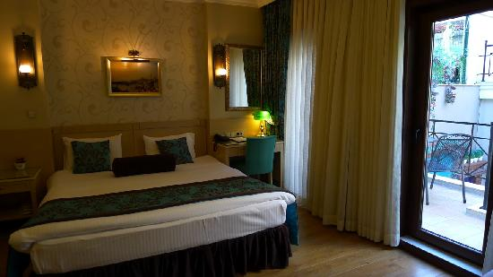Seraglio Hotel and Suites: Deluxe room 101