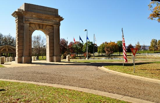 Chattanooga National Cemetery: The Archway