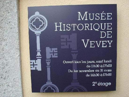 Musée Historique de Vevey: Tafel des historischen Museums