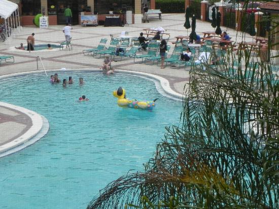 Westgate Lakes Resort & Spa: Pool fun