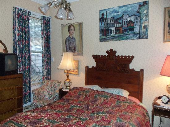 Pimblett's Downtown Toronto B&B: The Agatha Christie Room
